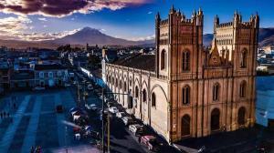 Hoteles en Riobamba - iglesia concepcion riobamba chimborazo